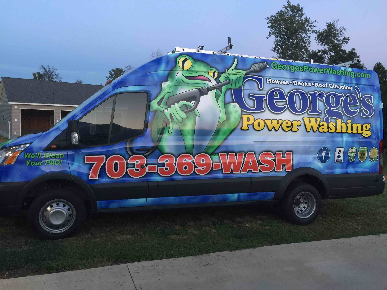 GEORGE'S POWERWASHING logo