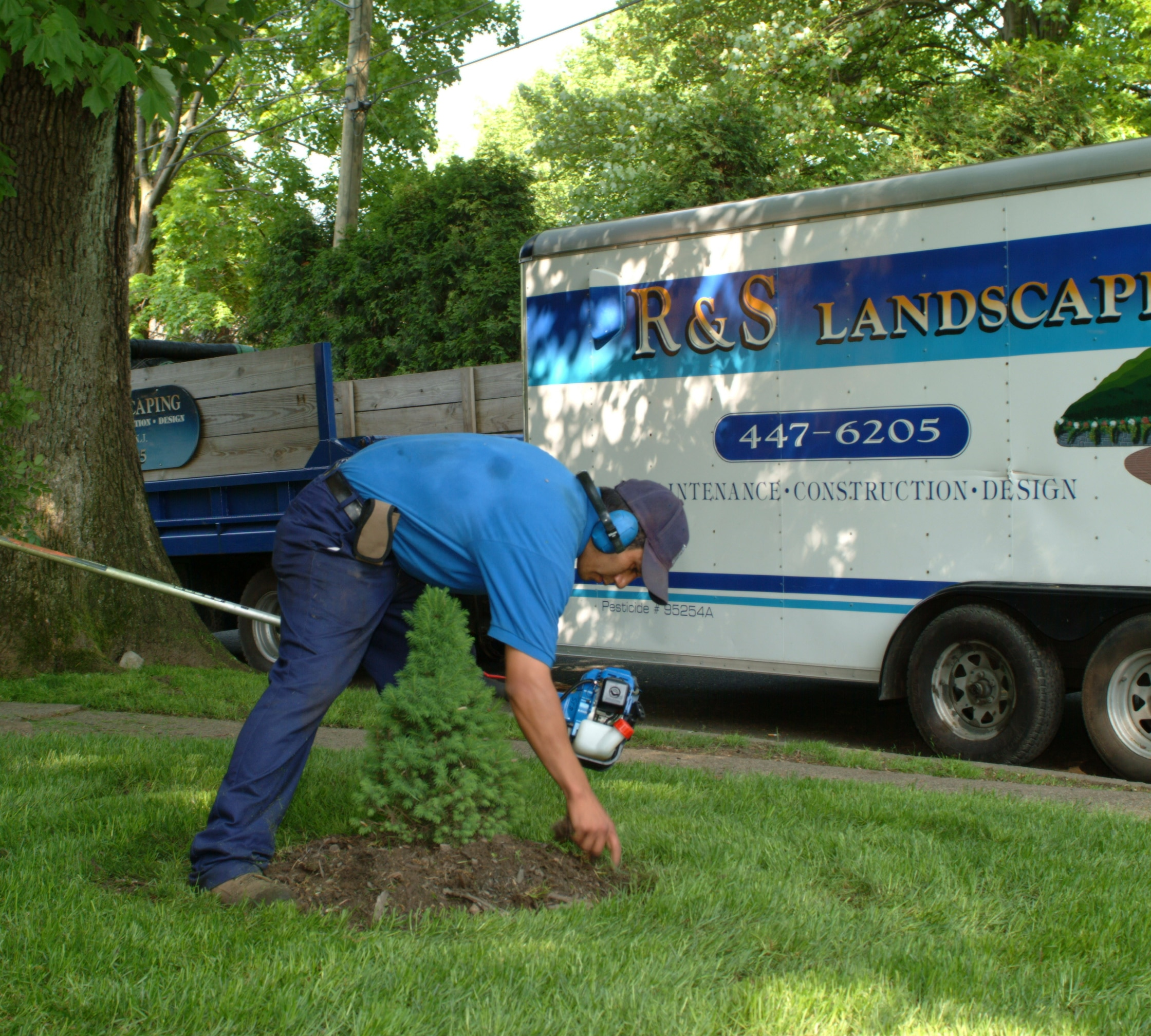 Lawn & Grounds Maintenance Projects