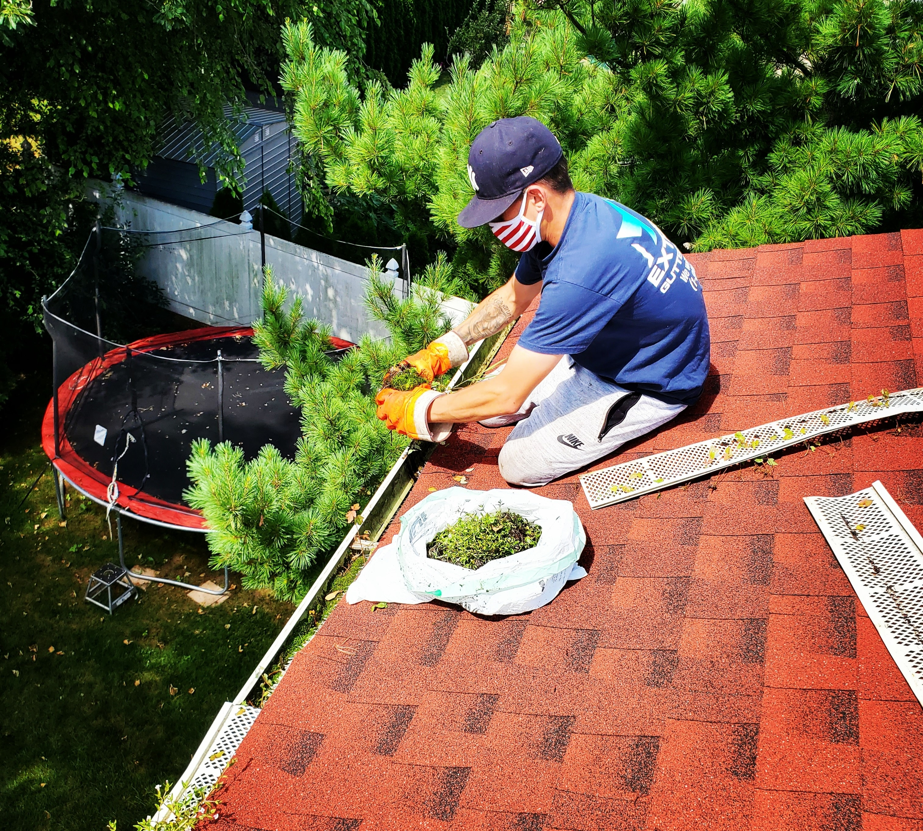 Full Service Gutter Cleaning & Repair