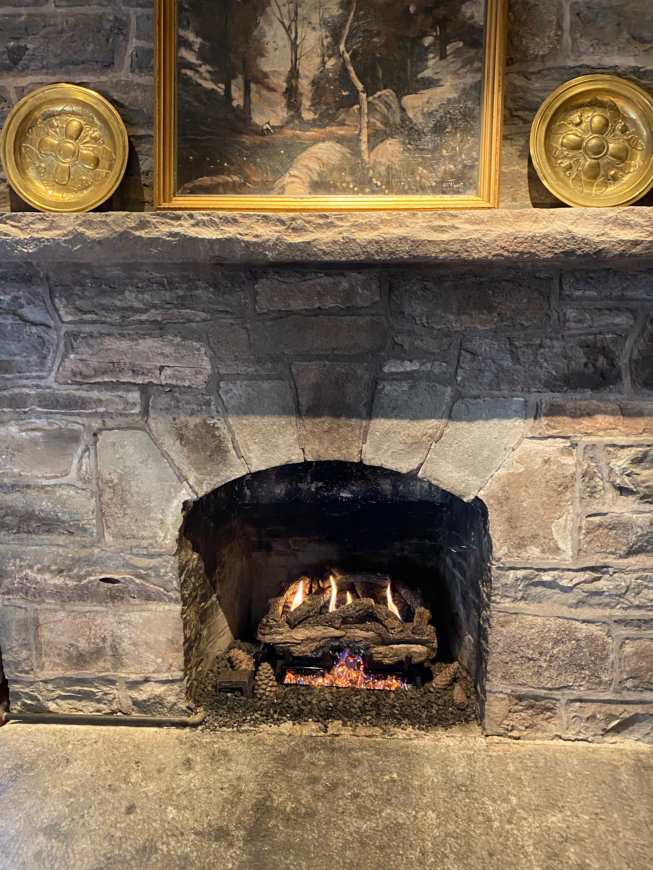 Ventlesss gas log set